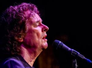 Colin Blunstone of The Zombies to Perform at Bridge Street Live, 5/9