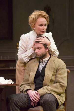 BWW Review: Huntington Theatre Company's THE SEAGULL: Artists at Work