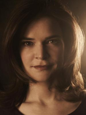 BREAKING BAD's Betsy Brandt Lands Lead in ABC's THE CLUB