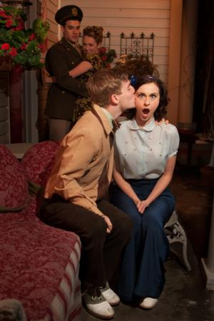 BWW Reviews: Lead Actress Completely Charming in Hale Center Theater's KISS AND TELL