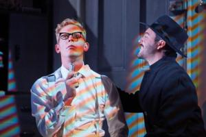 Review Roundup: STRANGERS ON A TRAIN at the Gielgud