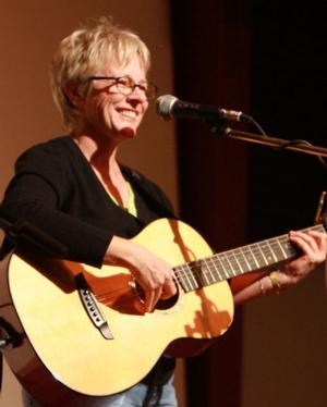 Join Nevenka for a Benefit Concert for FolkWorks, 4/26
