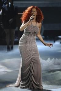 Rihanna, Drake Lead 2012 MTV Video Music Award Nominees