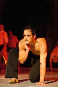 BWW-Reviews-Moving-QUEEN-AT-THE-BALLET-Revival-Needs-Something-More-August-2012-20010101