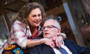 Review Roundup: BAKERSFIELD MIST, Starring Kathleen Turner
