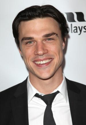 Finn Wittrock, David Schramm & More Set for HOLIDAY Staged Reading, 12/16