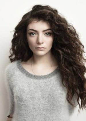 Lorde to Perform New Single 'Tennis Court' at 2014 Billboard Music Awards
