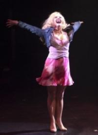 Legally-Blonde-The-Musical-A-Bit-Of-Fluff-And-A-Lot-Of-Fun-20010101