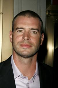 Scott-Foley-Bumped-Up-to-Series-Regular-on-SCANDAL-20010101