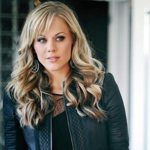 Stacy McCloud to Co-Host Great American Country's HEADLINE COUNTRY
