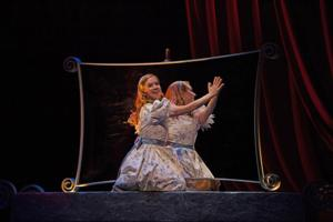 BWW Reviews: ALICE THROUGH THE LOOKING GLASS at Stratford