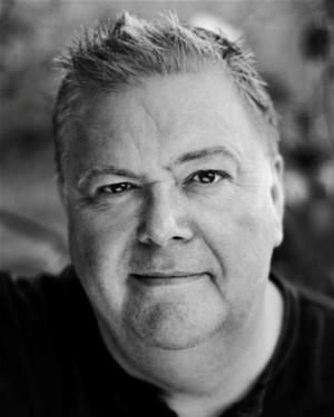 Sam Kelly Exits West End's WICKED, Martyn Ellis to Step in as 'The Wizard'