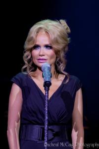 Kristin Chenoweth to Perform Oscars Closing Number with Seth MacFarlane!
