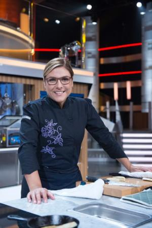 NBC's FOOD FIGHTERS Pits Amateur Cooks Against Top Chefs, 7/22