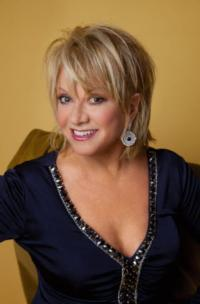 This Is Your Brain On Musical Theatre - 10 questions with (The First Lady of Musical Theatre!) Elaine Paige
