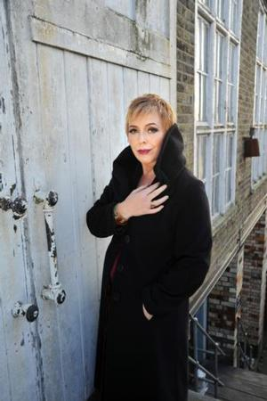 BWW Interview: Britain's Celebrated Chanteuse BARB JUNGR Makes 54 Below Debut Tonight Set to Conquer Another New York Cabaret Club