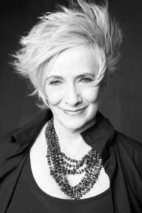 Betty Buckley to Star in London Revival of DEAR WORLD