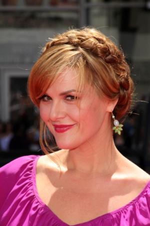 Sara Rue to Co-Star in TV Land Pilot IMPASTOR