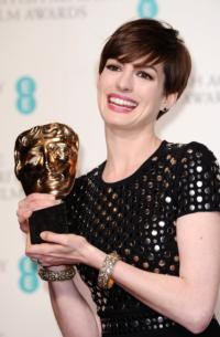 BAFTA-Latest-Anne-Hathaway-Wins-Best-Supporting-Actress-For-LES-MISERABLES-20130210