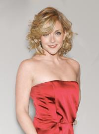 Jane Krakowski to Perform at Landmark on Main Street's Spotlight Gala, 11/3