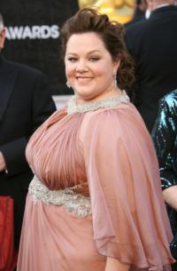 Melissa McCarthy, Vince Vaughn to Host SNL This April!