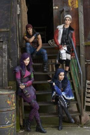 Melissa de la Cruz to Pen Novel Based on Disney Channel Original Movie DESCENDANTS; Hits Shelves May 2015