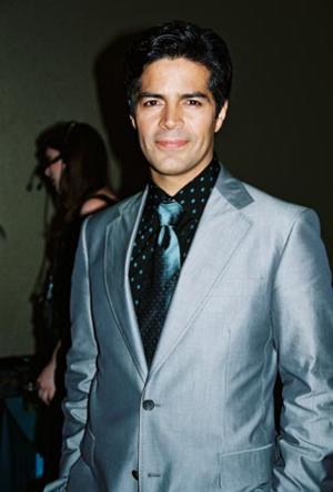 esai morales parents