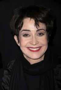 Annie Potts Cast in NBC's ANIMAL PRACTICE