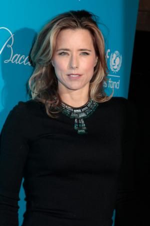 Tea Leoni to Star in Morgan Freeman's CBS Pilot MADAM SECRETARY
