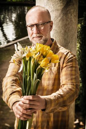 BOB MOULD's New Studio Album 'Beauty & Ruin' Out Today