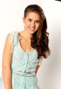 CARLY ROSE WATCH: Sonenclar Takes No. 1 Spot on X FACTOR!
