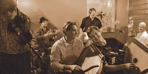 BWW Reviews: SESSIONS 2014: YELLOW BLUE BUS Brings in the Ukrainian New Year with Folk Fusion