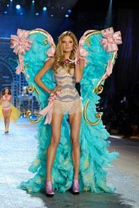 'Antigravity' Founder Christopher Harrison Choreographs VICTORIA'S SECRET FASHION SHOW on CBS, 12/4