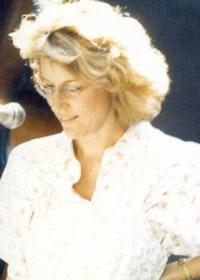 Jennifer Warnes to Perform at Madison Theatre, 10/30