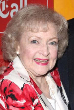 Betty White & HOT IN CLEVELAND Cast, Sean Hayes & More Set for Celebration Theatre's 31st Benefit, 4/27