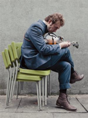 Mandolin Virtuoso Chris Thile to Play Schwartz Center for Performing Arts, 11/2