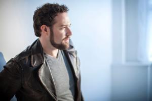 Warner Classics Signs Tenor Bryan Hymel