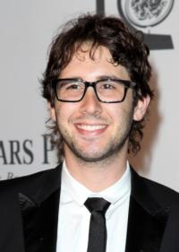 Josh-Groban-Set-to-Return-to-THE-OFFICE-20121004