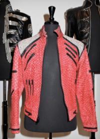 Michael Jackson Glove Sells, Auction Raises $5 Million