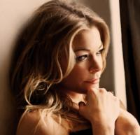 LeAnn Rimes Brings Special Holiday Conert  to Thousand Oaks, 12/15