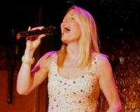 BWW Reviews: Broadway's Marin Mazzie is AMAZingly Sexy and Nostalgic in 54 Below Show