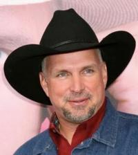 Garth Brooks to Join Wife Trisha Yearwood for Halloween-Themed TRISHA'S SOUTHERN KITCHEN, 10/27