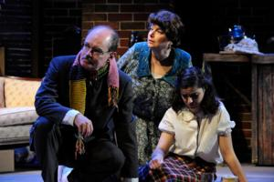 BWW Reviews: Ocean State Theatre Company Puts on Powerhouse Production of THE DIARY OF ANNE FRANK