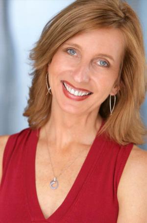 Lee Anne Mathews Named Maryville University Shakespeare Teacher of the Year