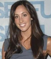 Catherine Reitman to Host VH1's MISS YOU MUCH