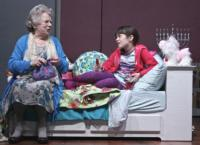 BWW Reviews: Lovely CONEY ISLAND CHRISTMAS Brightens Geffen Stage