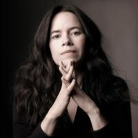 Natalie-Merchant-Brings-Her-Orchestral-Works-to-Picnic-with-the-Pops-July-13-20010101