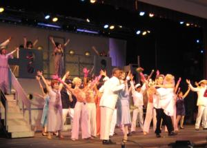 BWW Reviews: Hamilton Music Academy Presents the Joyous Cole Porter Musical Comedy ANYTHING GOES!