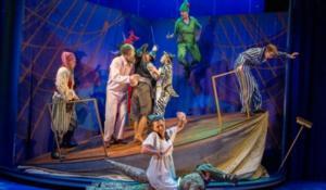 BWW Reviews: PETER PAN GOES WRONG, Birmingham Rep Theatre, January 27 2015