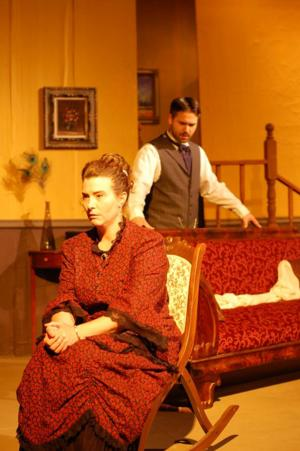 BWW Interviews: ANGEL STREET to Haunt Wichita Community Theatre